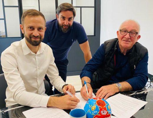signature contrat avec ESBF handball